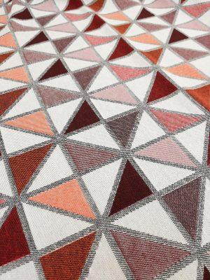 Ύφασμα-κουρτίνα-επίπλωση-τρίγωνα-σωμών