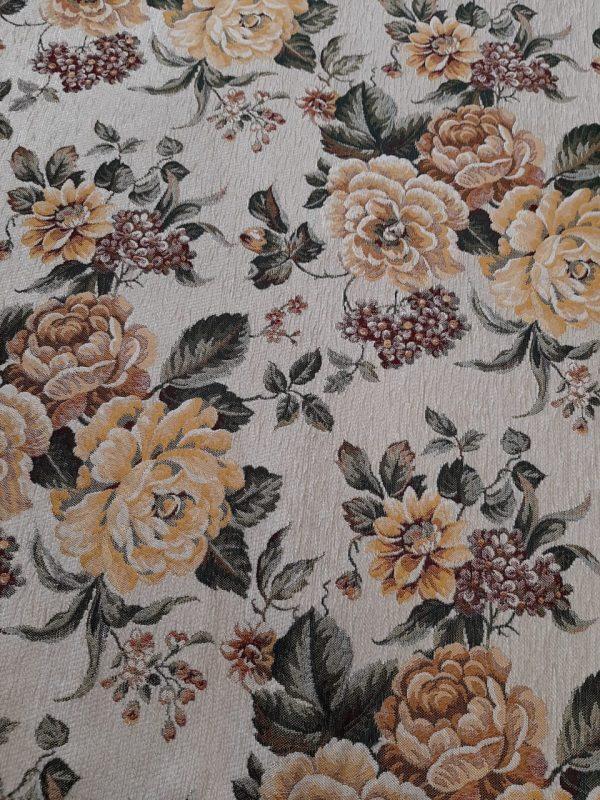 Βαρύ ύφασμα επίπλωσης σενίλ εκρού με λουλούδια πορτοκαλί, κίτρινα μουσταρδί, ώχρα και άνθη ροδί-σωμών ανάγλυφα εξαιρετικής ποιότητος για ντύσιμο καναπέδων, ριχτάρι, μαξιλάρια