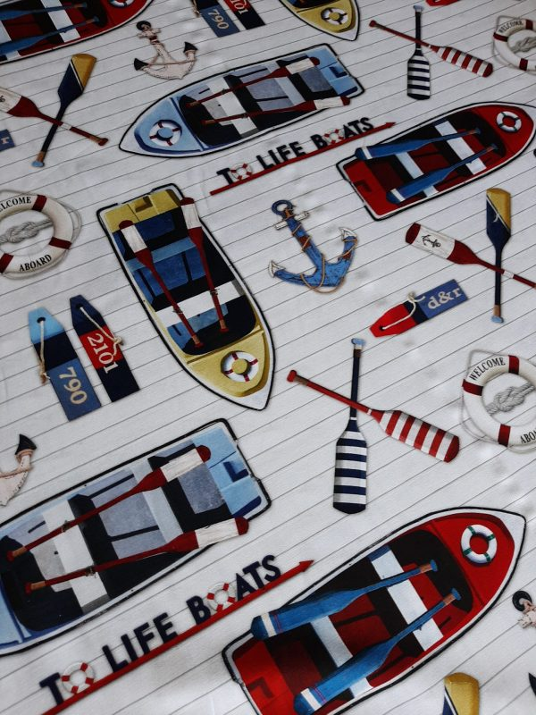 Βαμβακερό καραβόπανο ναυτικό σχέδιο TO LIFE BOATS DIGINAUT2020 σε 2.80 φάρδος με ναυτικά σωσίβια, άγκυρες κουπιά βάρκες, πέδιλα του σκί σε ναυτικά χρώματα μπλέ, κόκκινα , σιέλ και λίγο κίτρινο κατάλληλο για κάθε ναυτική διακόσμηση. Κουρτίνα, μαξιλάρια, κρεββάτια
