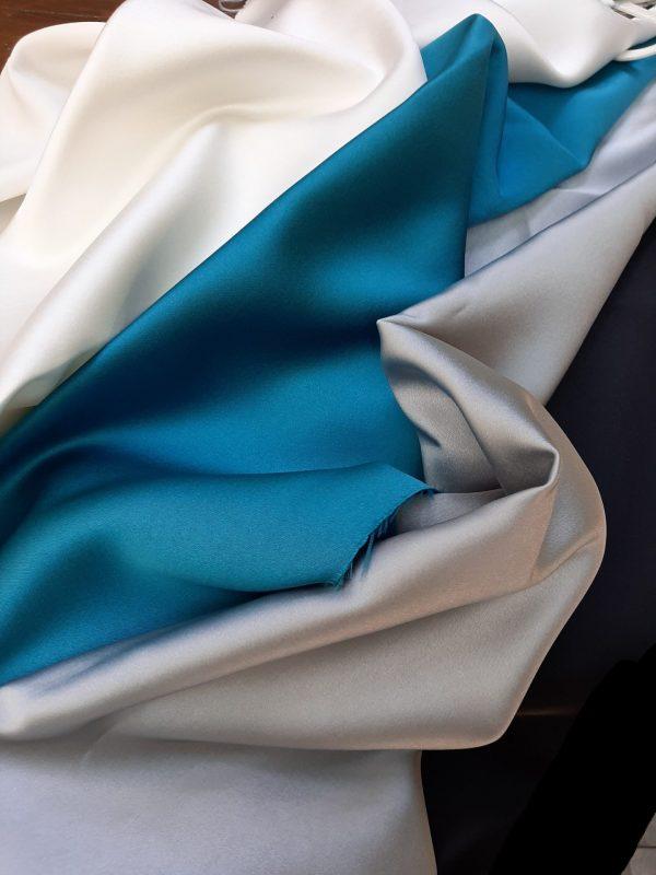 ύφασματα σατέν σε 3 μέτρα φάρδος γιά διακόσμηση, κουρτίνα σε 4 χρώματα εκρού, πετρόλ, gris argent, μαύρο