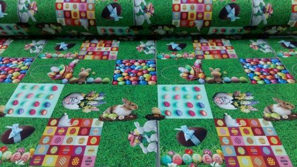 ΎΦΑΣΜΑ Πασχαλινη εξοχη κολάζ απο φωτογραφίες με αυγα χρωματιστά κουνέλια και στολίδια Πασχαλινά επάνω σε εξοχικό φόντο απο γρασίδι κήπου