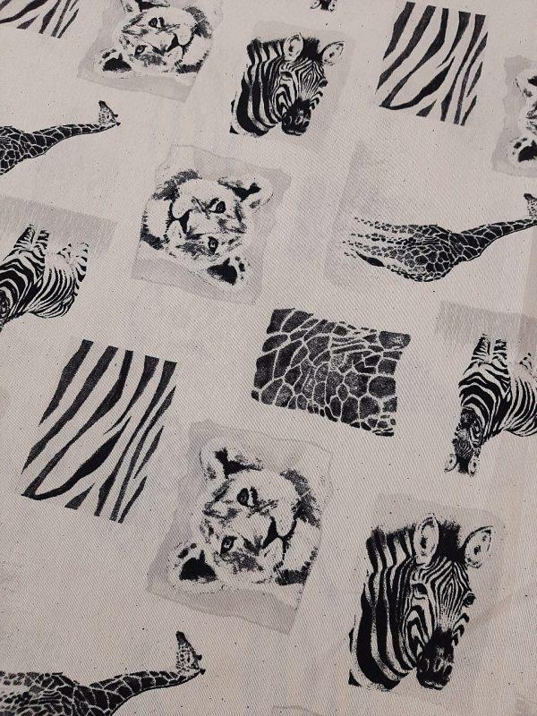 ΎΦΑΣΜΑ τύπου λονέτας εκρού με εικόνες άγριων ζώων σε χρώματα εκρού μαύρο γκρί σε 2.80 φάρδος