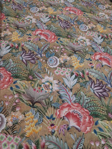 ύφασμα με πολύχρωμα εξωτικά λουλούδια με βάση λαδί σε 2.80 φάρδος