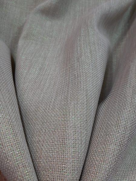 Λινάτσα σε φυσικό χρώμα με χρυσό λούρεξ στην ύφανση και 1.70 φάρδος