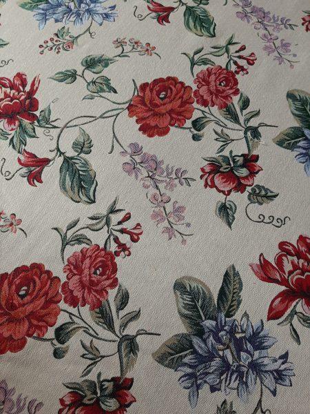 Ύφασμα επίπλωσης με κλαδιά και λουλούδια κόκκινα και σιέλ άνθη σε εκρού φόντο και 2.80 φάρδος για ριχτάρι ,ταπετσαρία επίπλωσης.