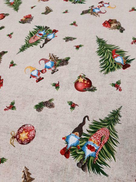Χριστουγεννιάτικο ύφασμα τύπου λινό με χριστουγεννιάτικα δένδρα πλάι στον Αη Βασίλη με σκούφο ,χριστουγεννιάτικα στολίδια σε 2.80 φάρδος εξαιρετικό για τραπεζομάντηλο, ριχτάρι κουρτίνα